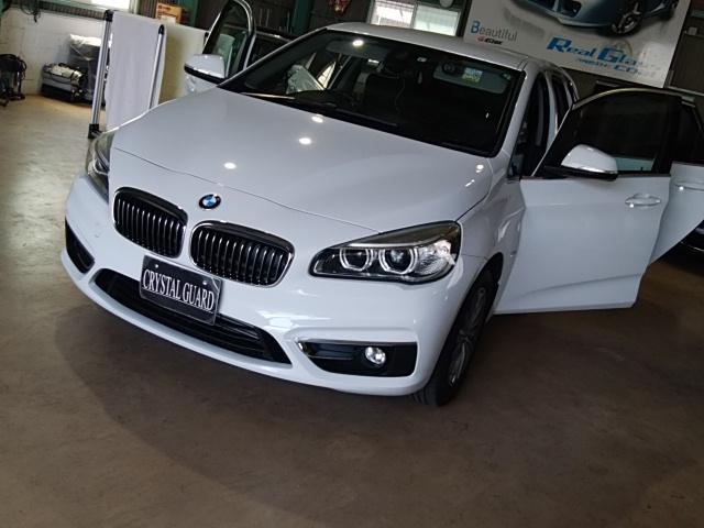 BMW218d 窓モールのラッピング
