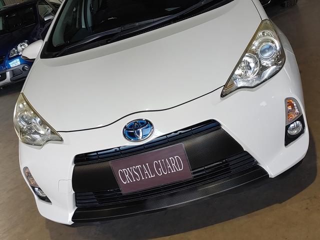 トヨタアクアのヘッドライト復元コート