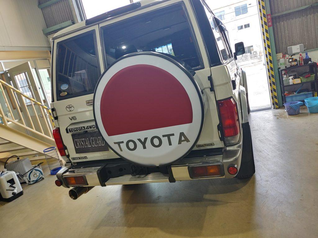 トヨタランドクルーザー70の背面タイヤカバー、ワンオフ!